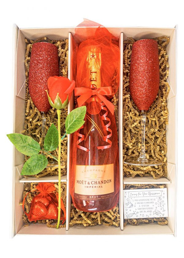 Moet & Chandon 75cl Champagne | Gift Set with Sparkling Red Flutes | Red Rose & Chocolates | KeiCo Drinks