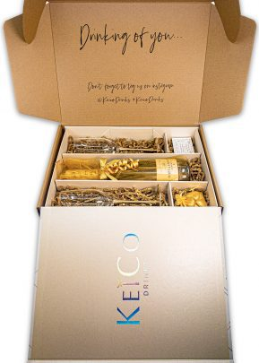 Moet & Chandon   75cl Champagne Gift Set   with Metallic Gold Stem Flutes   KeiCo Drinks