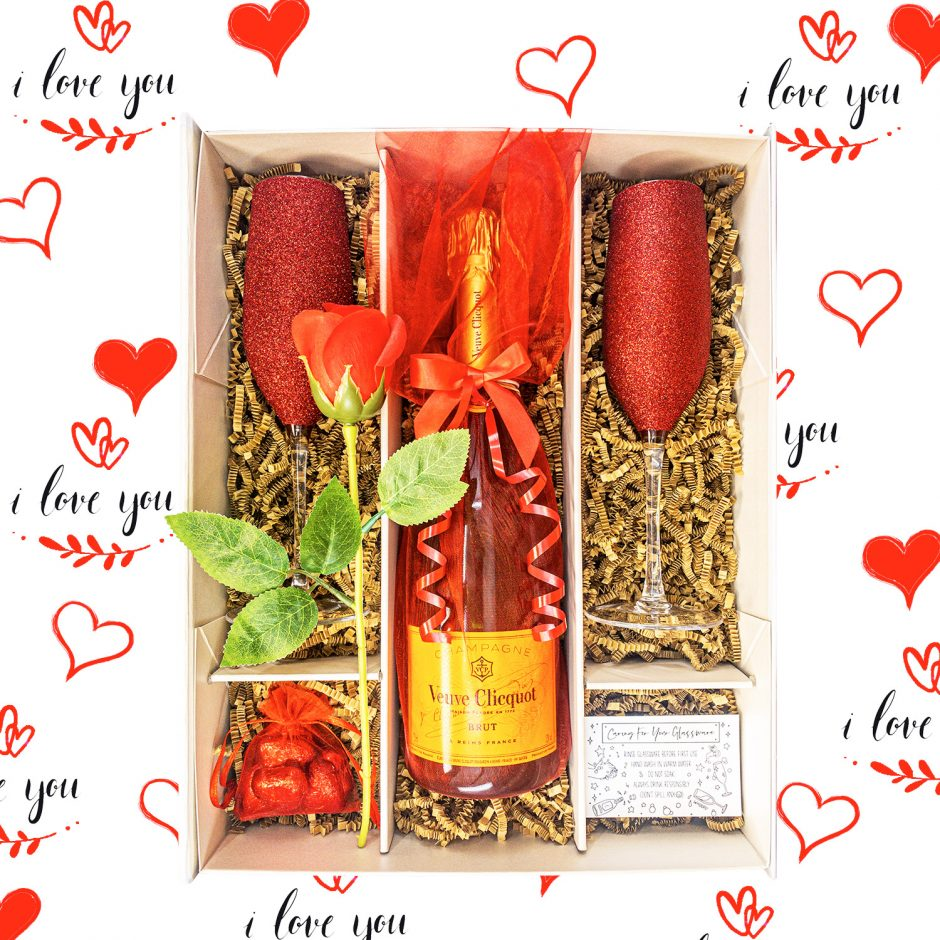 Veuve Clicquot Special Cuvée | 75cl Champagne | Gift Set with Sparkling Red Flutes | Red Rose & Chocolates | KeiCo Drinks